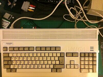 Commodore Amiga A1200, 80mb HD, PAL • 92£