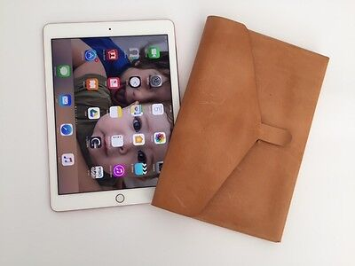 IPad Leather Cover • 45.78£