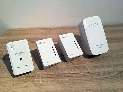 Bundle Of 4x TP Link Powerline Adapters / WiFi Extenders - Excellent Condition • 10£