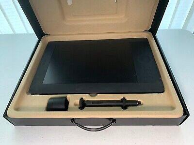 Intuos 5 Touch Graphics Tablet • 21£
