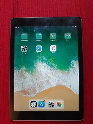 Apple IPad Air 1st Gen. 16GB Wi-Fi 9.7in - Space Grey - Some Damage • 35£