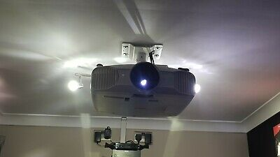 EPSON EH-TW7200 Projector. Spare Lamp + 3D Glasses.  • 560£