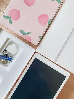 Apple IPad (late 2018 ) 6th Generation 32GB WIFI • 23£