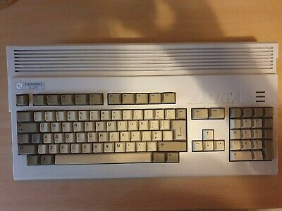 Commodore Amiga A1200, 120 HDD • 215£