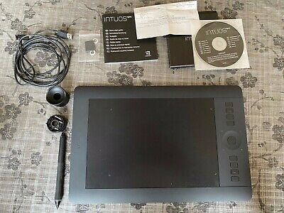 Wacom Intuos Pro Medium Wireless Graphics Tablet- ONLY USED ONCE • 210£
