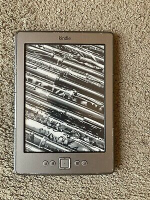 Amazon Kindle 4th Generation With Case • 5£