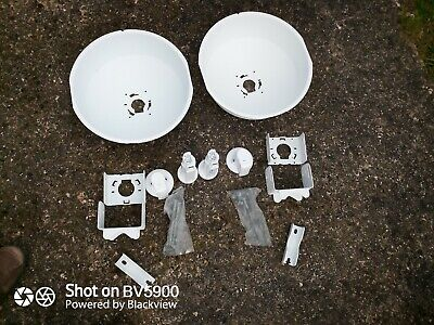 2 X Ubiquiti Power Beam PBE M5 300 With Dishes (Brand New Out Of Box) • 75£