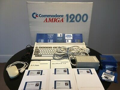 Commodore Amiga 1200 Excellent Boxed With Mouse Manuals PSU & Selection Of Games • 225£