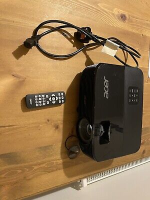 Acer X1123h Projector • 150£