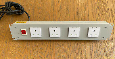 4 Way Mains Distribution UK Plugs With Power Switch • 20£
