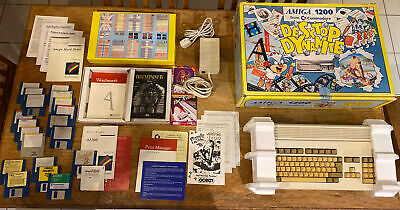 Commodore Amiga 1200 Desktop Dynamite A1200 BOXED With INSERTS & Some Games • 374.99£
