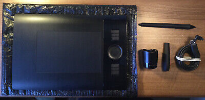 Wacom Intuos Model PTK-440 Graphics Tablet With Stylus, Pen Holder + USB Charger • 5£