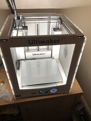 Ultimaker 2+. Used. Upgraded Extruder. Maintenace Kit + Extras • 1,500£