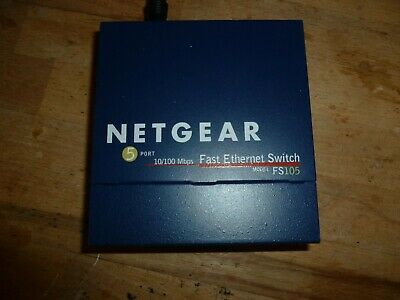 Netgear FS105 5 Port Fast Ethernet Switch • 8£