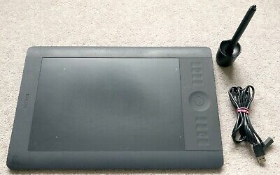 Wacom Intuos 5 Touch M (PTH-650) Graphics Tablet (USED) • 74.99£