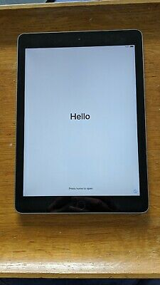 Apple IPad 6th Generation 32GB Wifi Space Grey • 50£