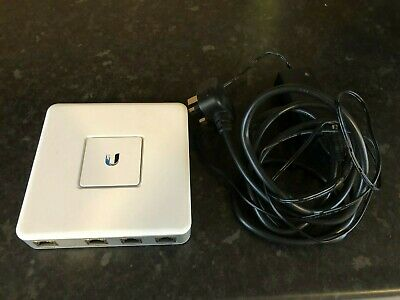 Ubiquiti Networks USG 1000Mbps UniFi Security Gateway • 100£