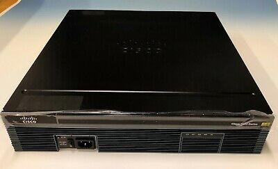 Cisco 2921 Integrated Services Rouer • 40£