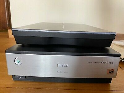 Epson Perfection V800 Flatbed Scanner In Very Good Condition. Hardly Used. • 680£