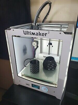 Ultimaker 2 - 3d Printer Good Condition - Excellent Print Quality • 500£
