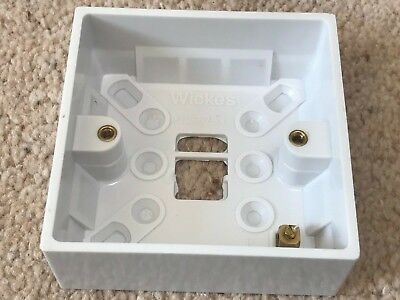 Wickes 1 Gang Surface Mount Pattress / Back Box 32mm White • 0.99£
