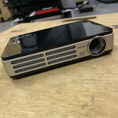 QUMI Q5-BK Pocket Projector • 100£
